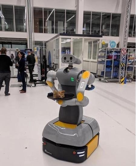 皮尔磁机器人